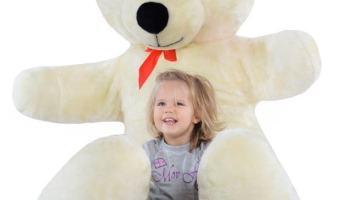 Peluches gigantes: ¿Cuando va a quererlos un niño pequeño?