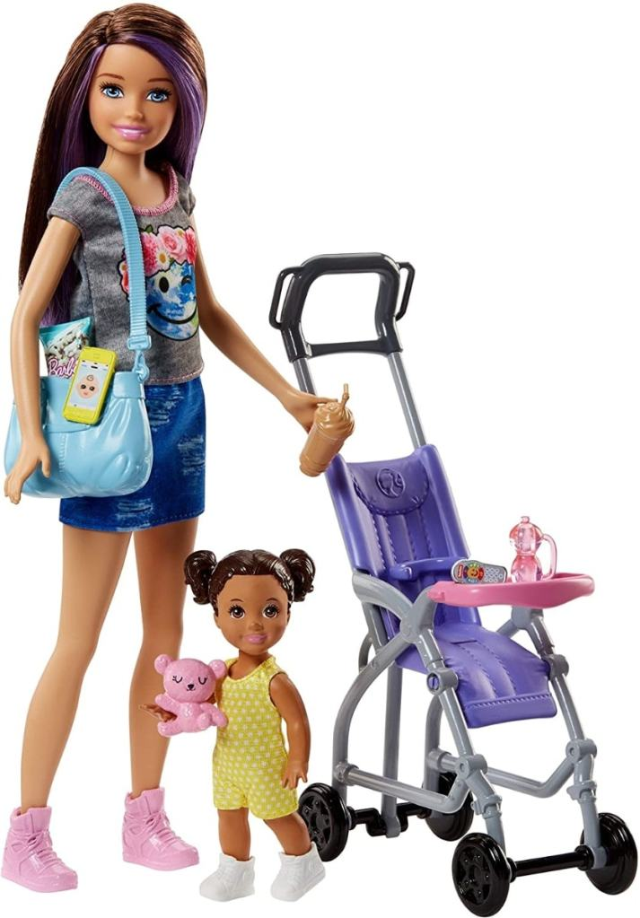 Barbie Babysitters Inc. Doll and Playset -Muñeca de la hermana de Barbie Skipper y carrito con bebé