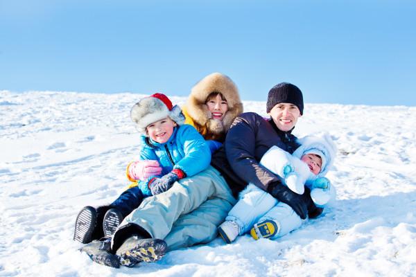 anya, apa gyerekek a hóban