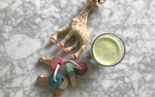 grön smoothie är bra barnmat till din bebis