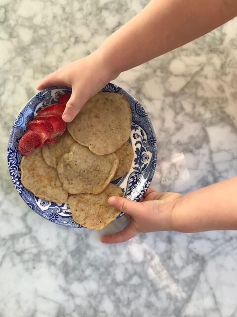 glutenfria plättar med mandelmjöl och durramjöl