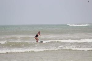 Milou surfing