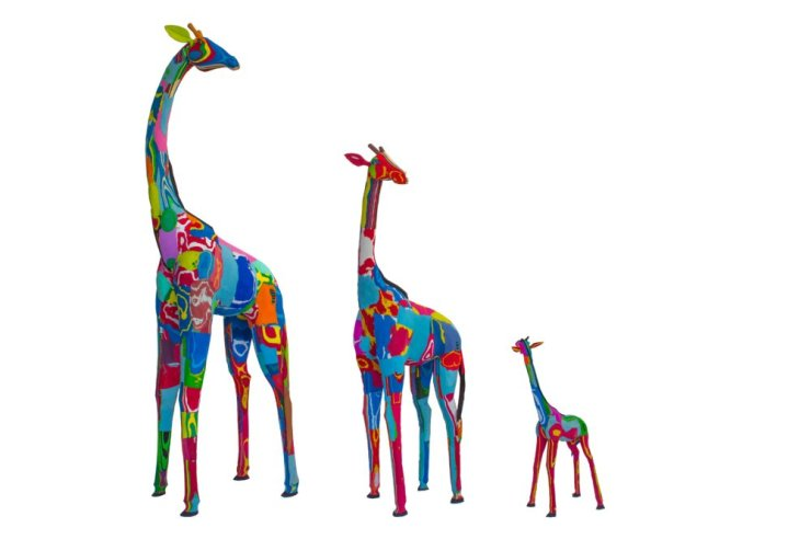 Image of Ocean Sole's Giraffe sculptures made from upcycled flip-flops.