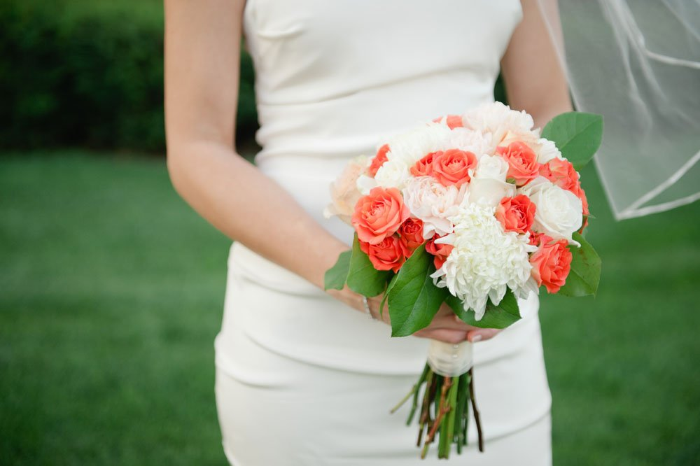 orange and white bouquet st paul cathedral wedding