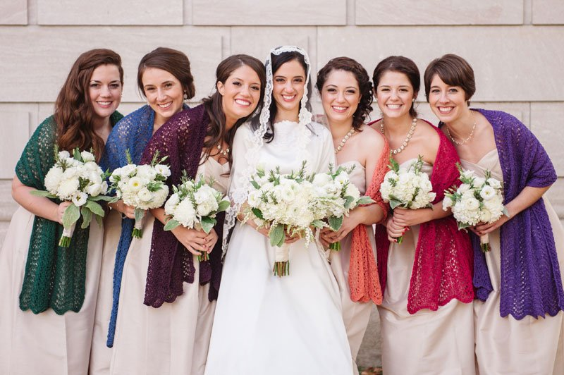 st paul mn wedding at jj hill library bride with 6 bridesmaids