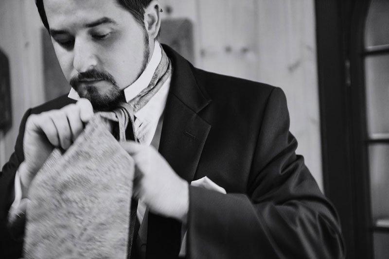 groom ties ascot cravat for stillwater mn wedding