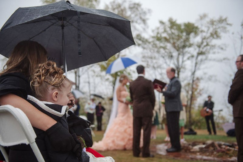 rainy day wedding on stillwater mn peninsula