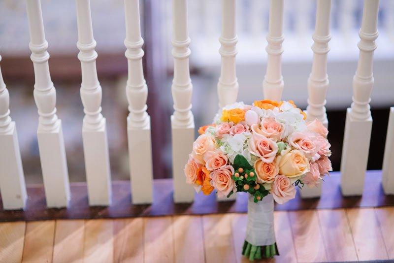 wedding bouquet for fall wedding
