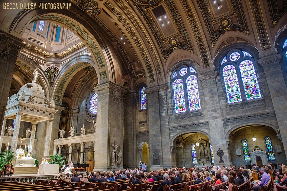 large interior of basillica wedding minneapolis