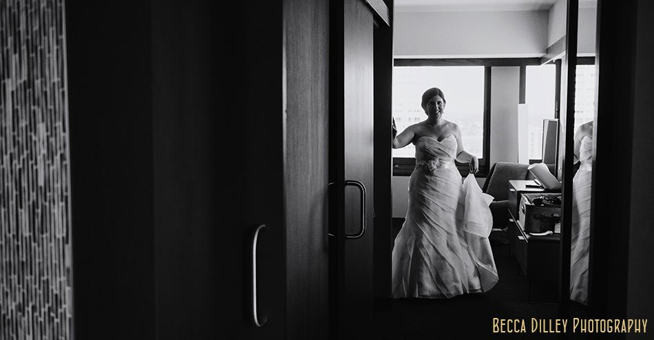 wedding photojournalism bride getting ready in St Paul