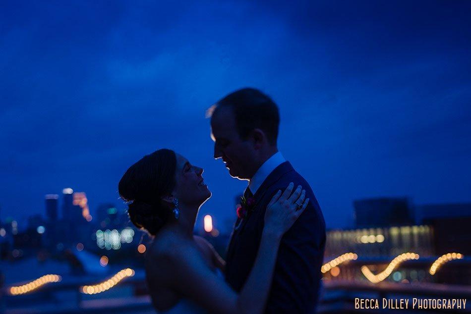 minneapolis campus club wedding photographer night portrait with skyline