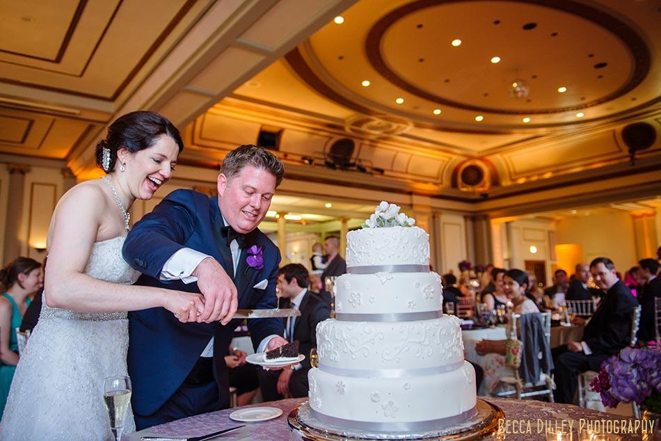 cake cutting great hall memorial union madison wisconsin wedding