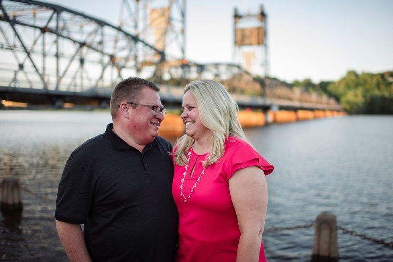 Stillwater liftbridge engagement portraits