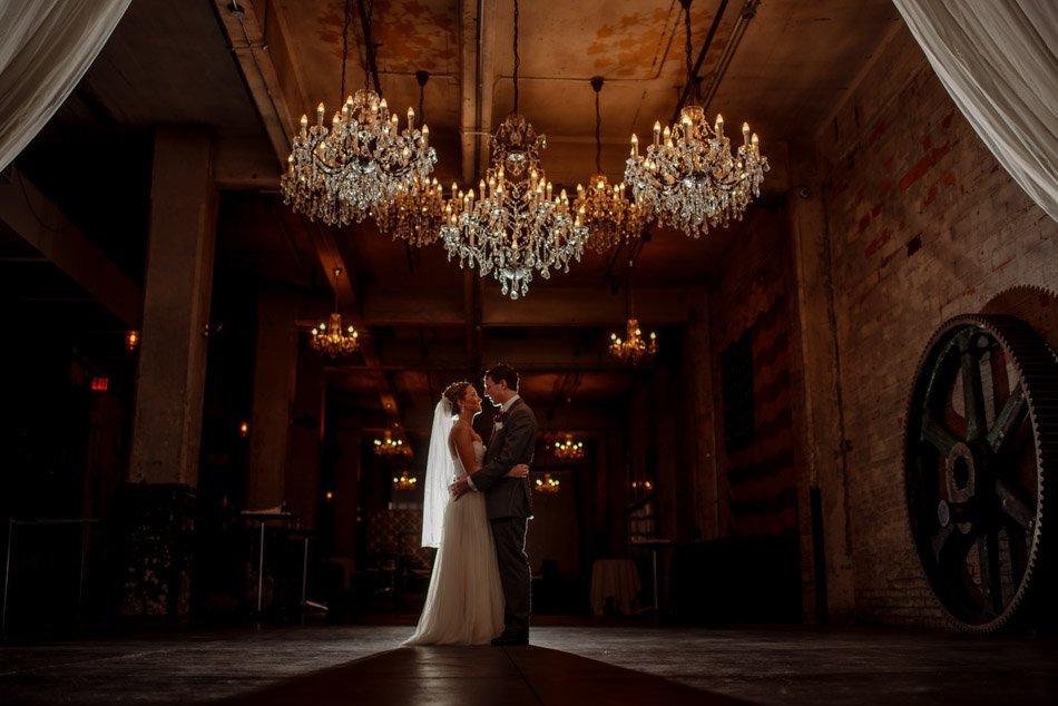 minneapolis wedding photographer aria wedding dramatic lighting