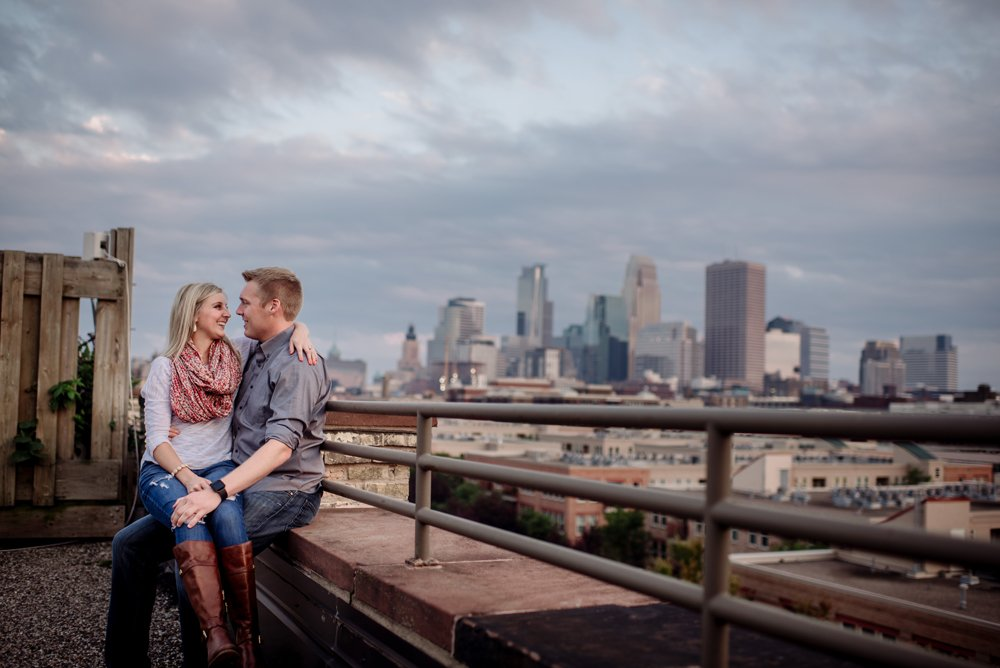 2017 favorite photos best Minneapolis photographer engagement with skyline