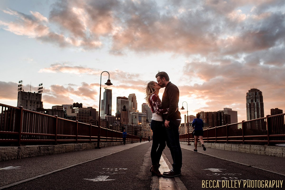 minneapolis engagement photographer sunset portrait