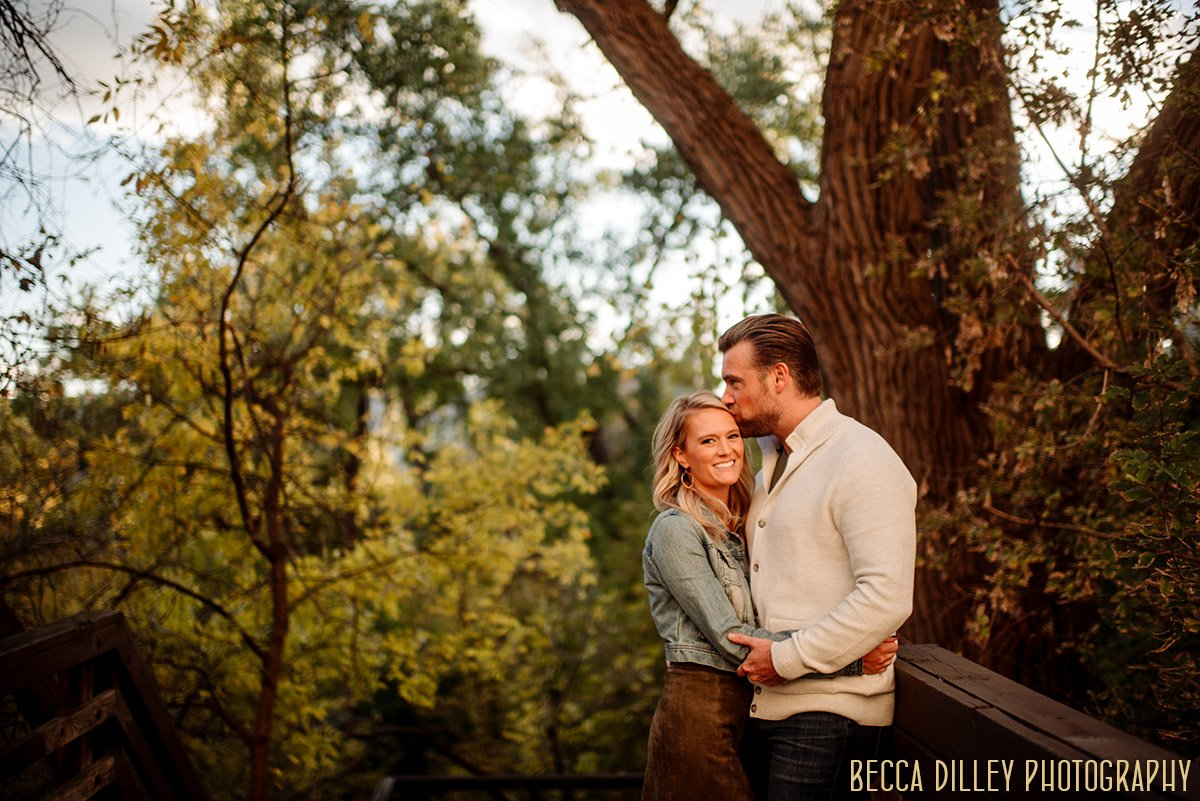 engagement-portraits-minneapolis-comfortable-003
