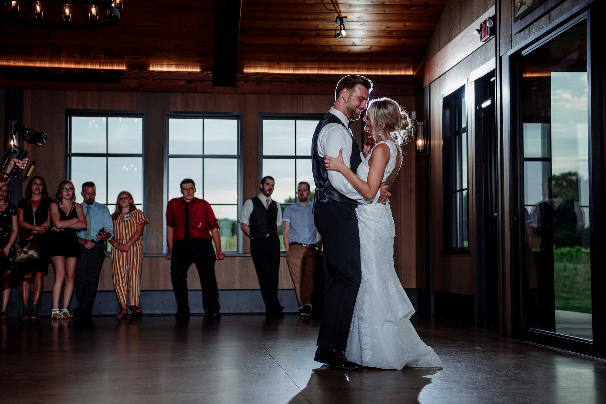 first dance 7 vines vinyard wedding mn