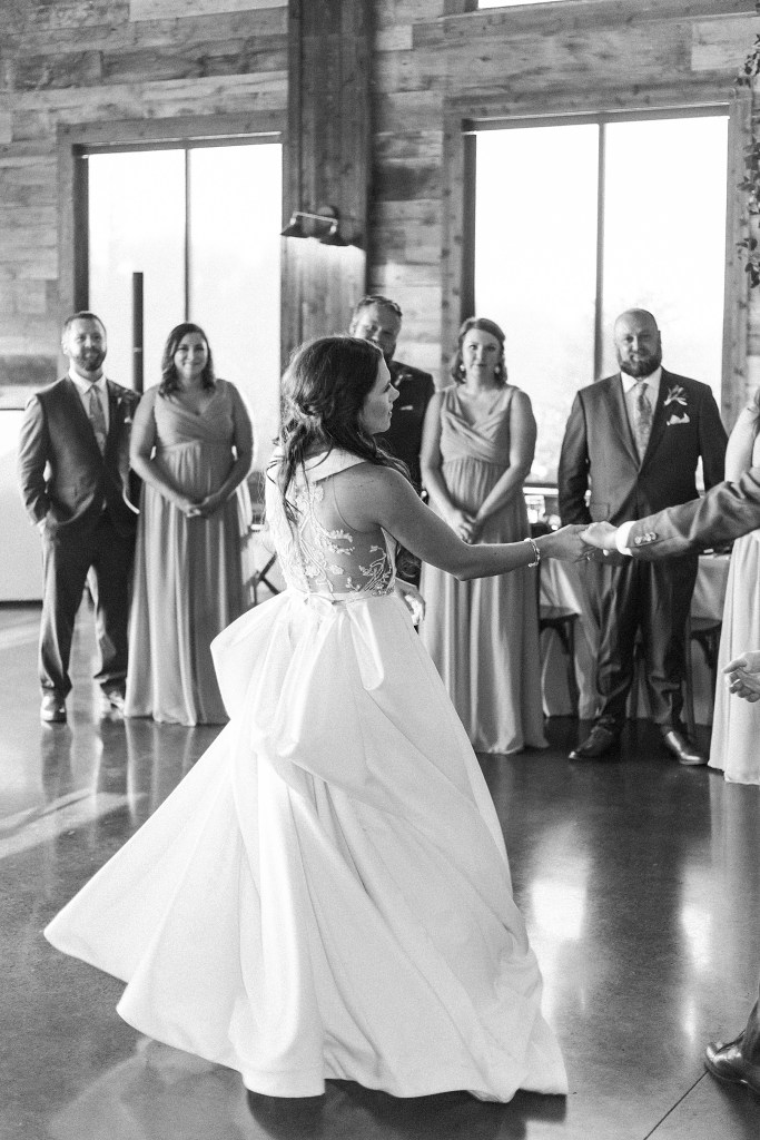 Romantic Summer Wedding (McKinney, Texas) | Becca Sue Photography - www.beccasuephotography.com