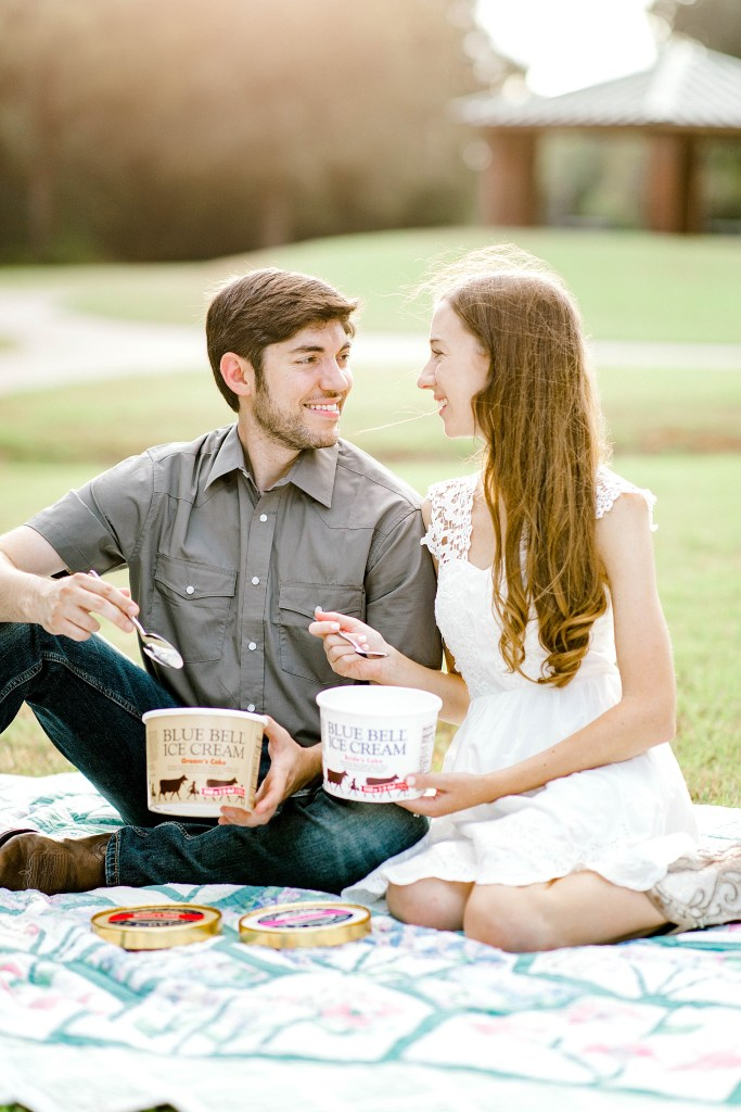 Summer Creek Engagement Session (Flower Mound, Texas)   Becca Sue Photography - www.beccasuephotography.com