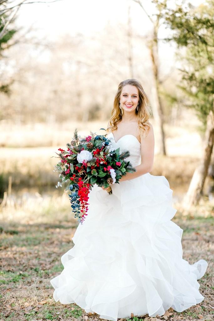 Christmas Winter Wedding (Emory, Texas) | Becca Sue Photography - www.beccasuephotography.com