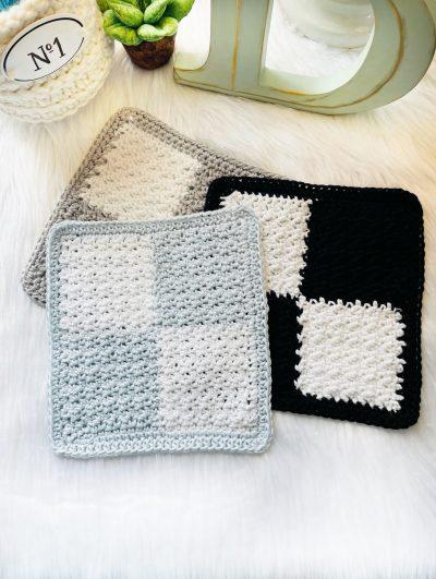 Free Crochet Pattern: Four Square Dishcloth, Wash Cloth