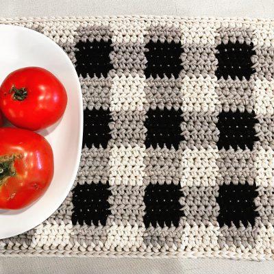 Free Crochet Pattern: Farmhouse Gingham Placemat