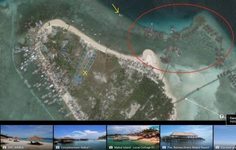 Vid det gula krysset bodde vi på vår dykresort. Den gula pilen visar toppen på bryggan där vårt dykcenter låg. Den röda cirkeln visar vart den andra resorten ligger. Det är väl en sisådär 200 meter bort.
