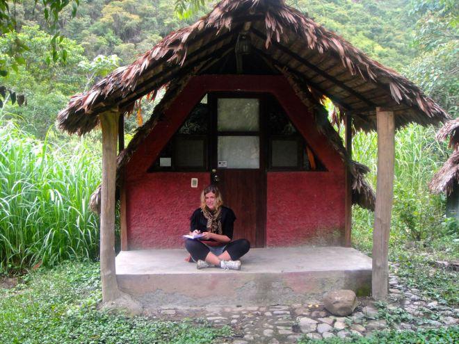 Vår lilla stuga, precis på kanten av regnskogen.