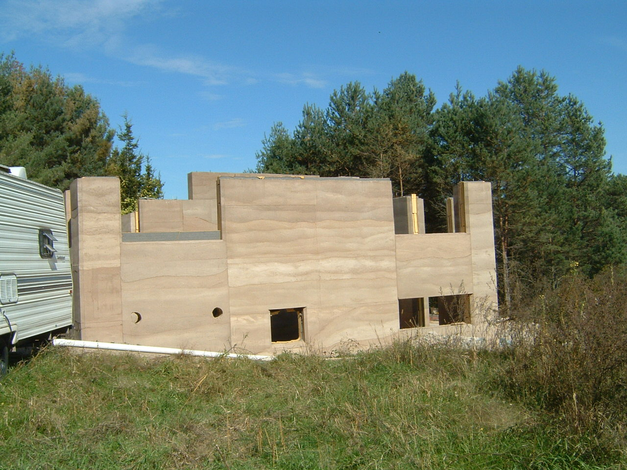 rammed earth structures  BEC Green