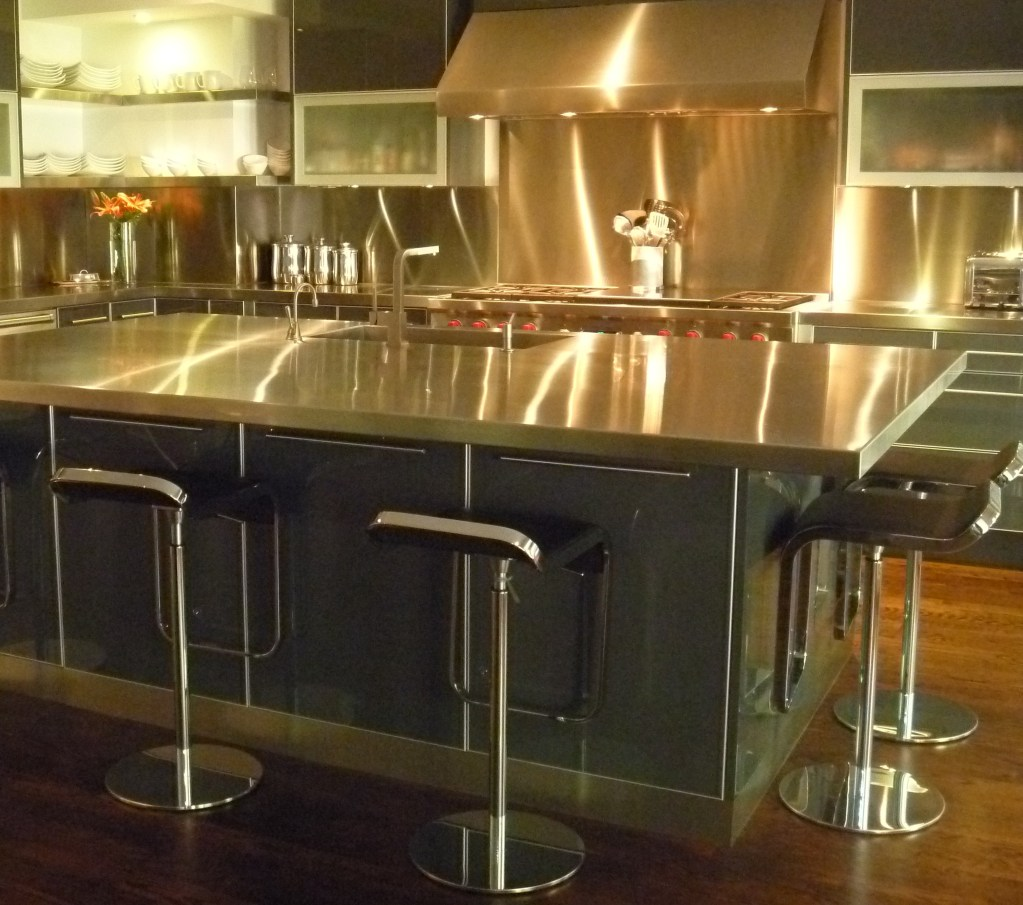 Chef's kitchen in stainless steel