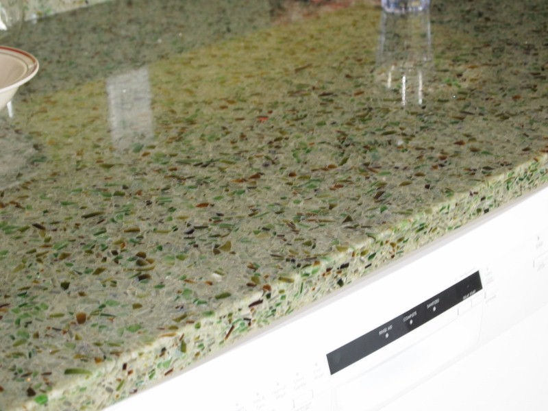 Recycled glass counter top (made in Quebec)
