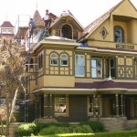 Front view of the Winchester Mystery House