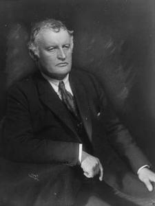 Portrait of Edvard Munch by Anders Beer Wilse (1921).