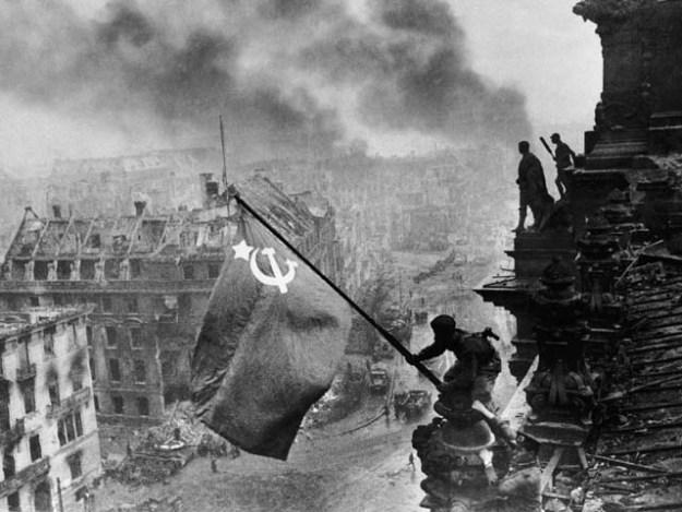 Khaldei reichstag flag