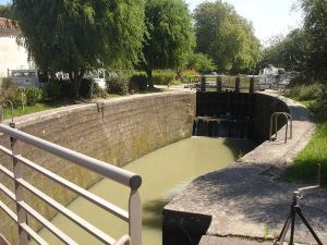 The Négra lock, on France's Canal du Midi, is a pound lock built in 1670.