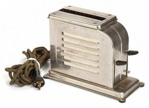 A Waters-Genter toaster from the 1920s, based on Charles Strite's design.