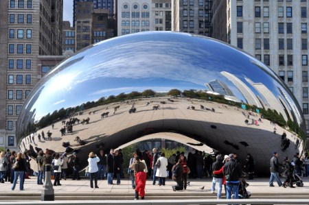 Cloud Gate by Anish Kapoor, in Chicago's Millenium Park.