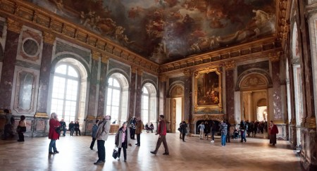 Architect Robert de Cotte designed several parts of the Palace of Versailles, including the Salon d'Hercules.