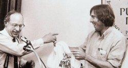 An undated photograph of Stan Grossfeld (right) with Boston Globe editor Tom Winship.
