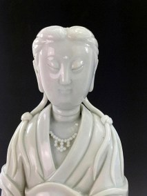 18TH C BLANC de CHINE GUANYIN (10)