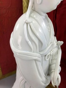 18TH C BLANC de CHINE GUANYIN (4)