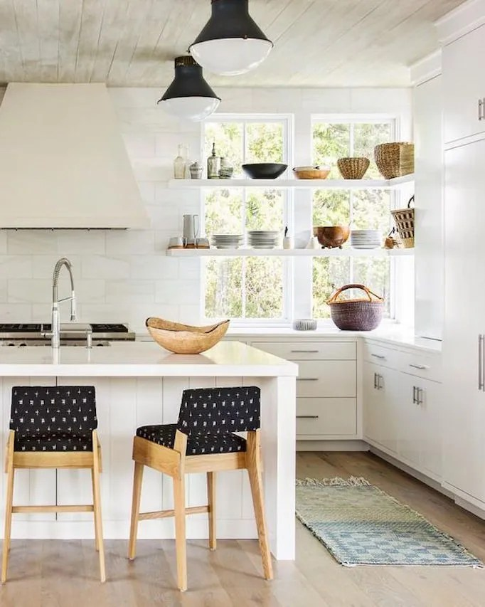 Kitchen Trend: Open Shelving in Front of WindowsBECKI OWENS