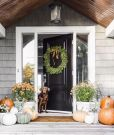 Our Holiday Wreath Roundup