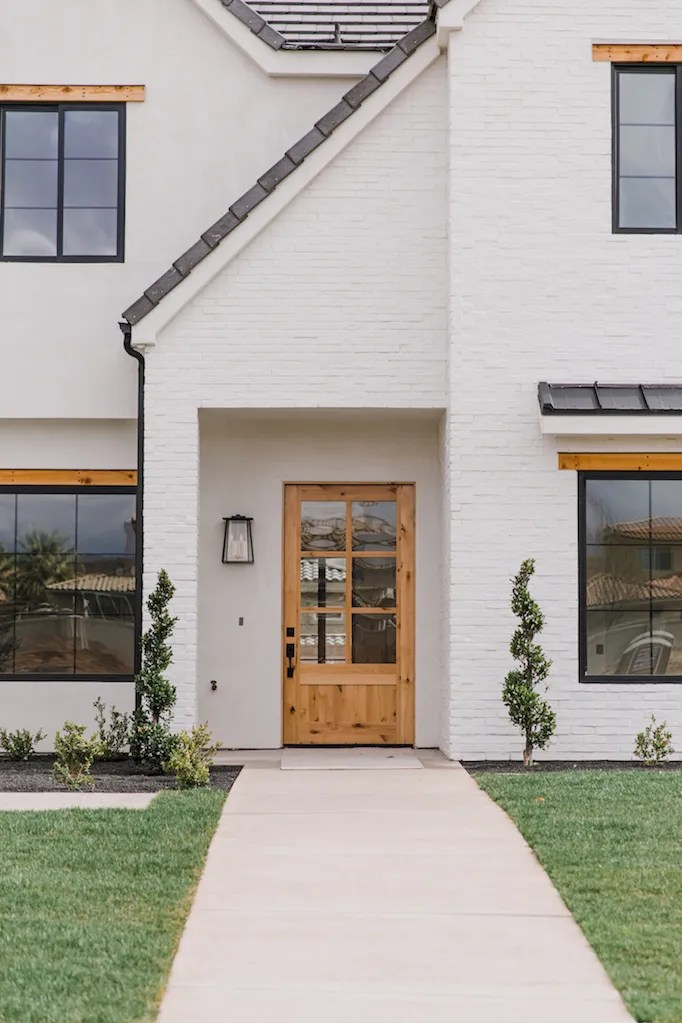 Q A White Painted Brick Exteriors Becki Owens