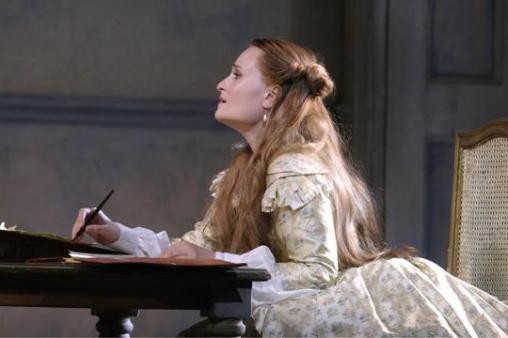 Marina Poplavskaya (Violetta) in La traviata © Catherine Ashmore | ROH