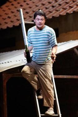 Vittorio Grigolo (Nemorino)  © Mark Douet/Royal Opera