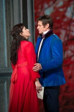 Krassimira Stoyanova (Tatyana) and Simon Keenlyside (Onegin) © Bill Cooper/ROH