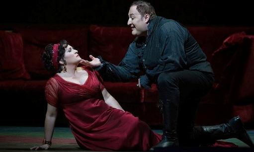 Patricia Racette (Tosca) and George Gagnidze (Scarpia) © Marty Sohl/Metropolitan Opera