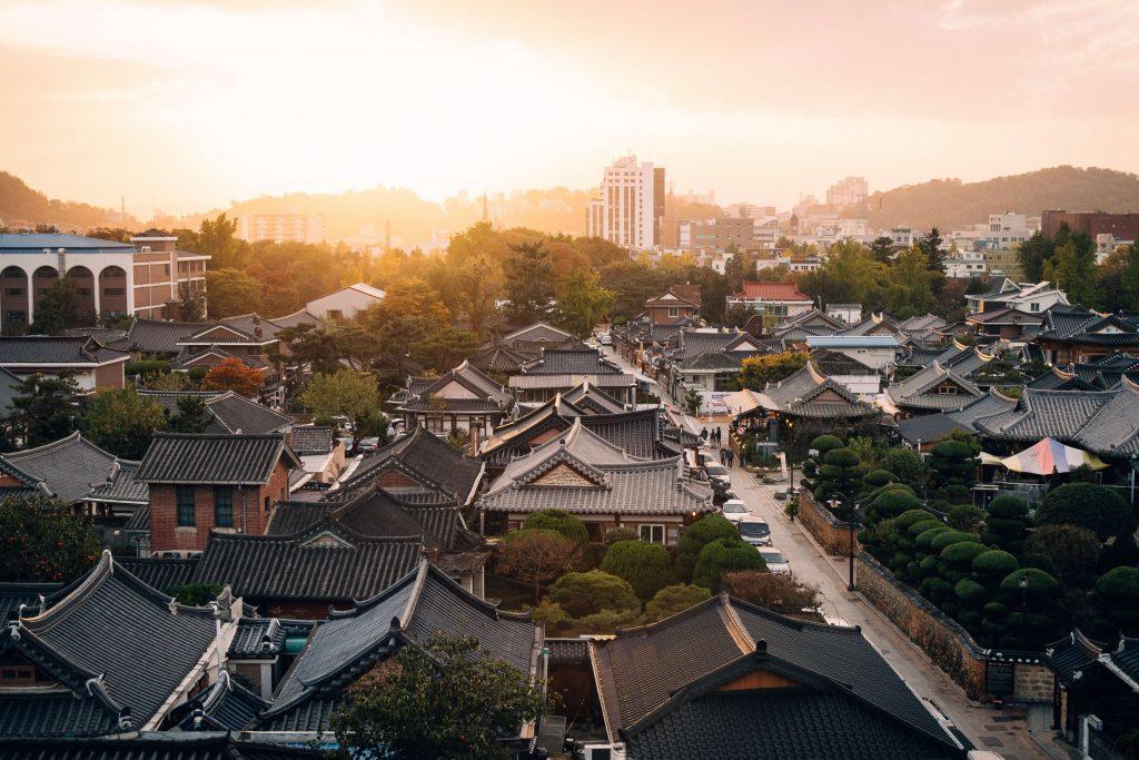 Views of traditional Korean houses